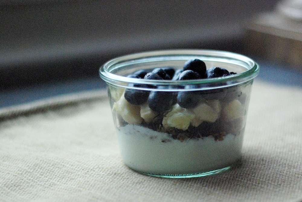 weck jar with blueberries