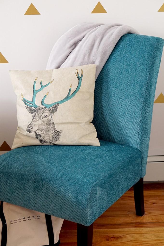 blue chair_edit