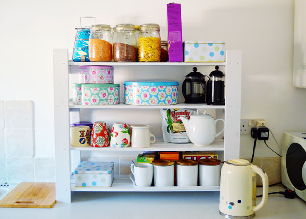 kitchen-shelves-DIY