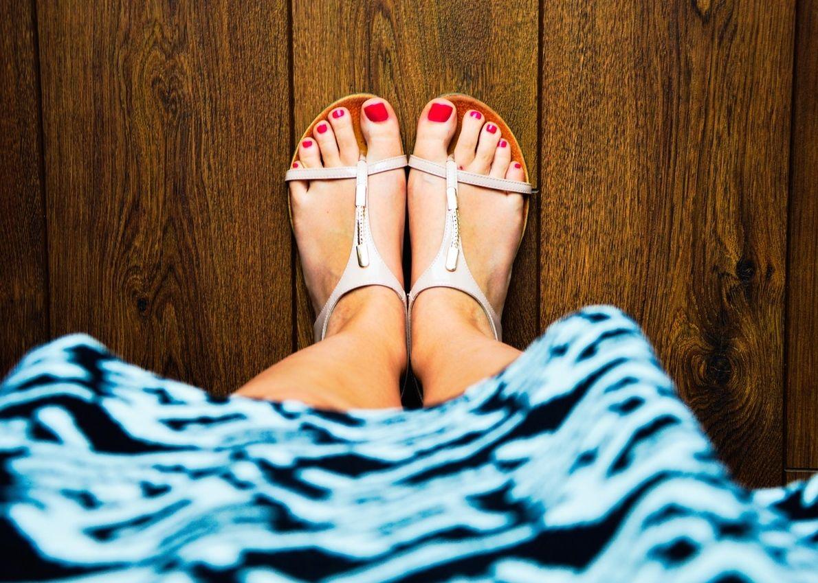 wood-feet-summer-dress-main