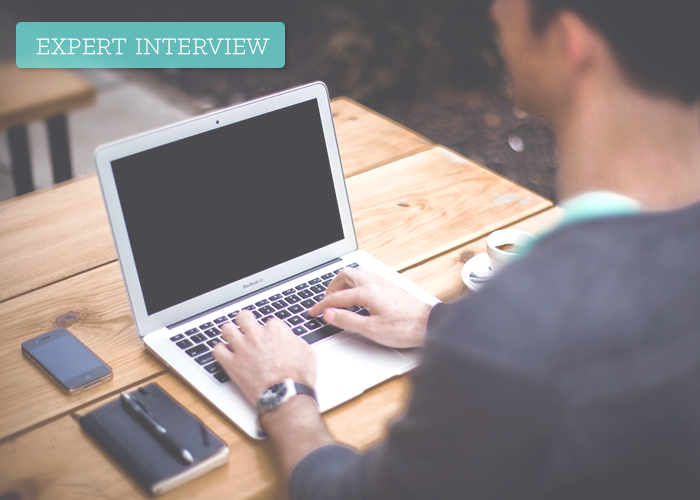 expert-interview_graphic-main