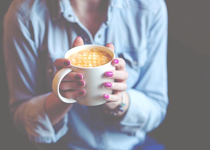 girl-with-coffee-mug