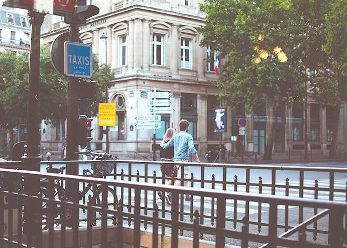 couple-in-paris