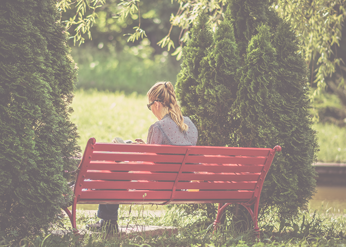 girl-on-bench