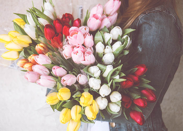 flowers-in-hand