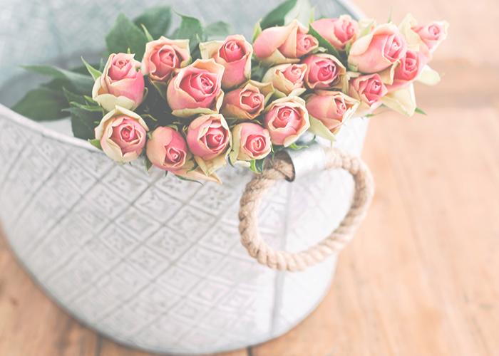 roses-in-basket