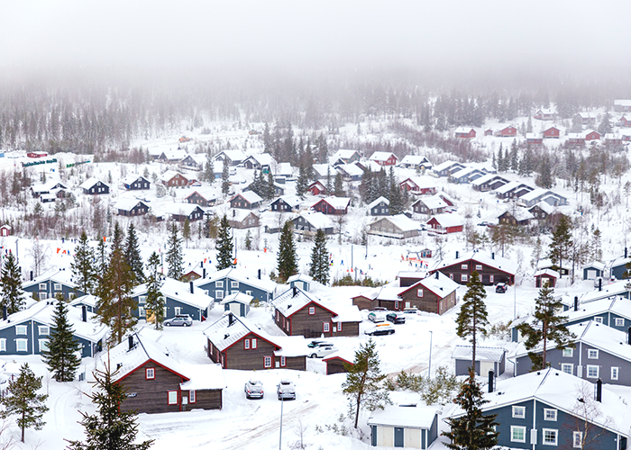 snowy-town-and-houses