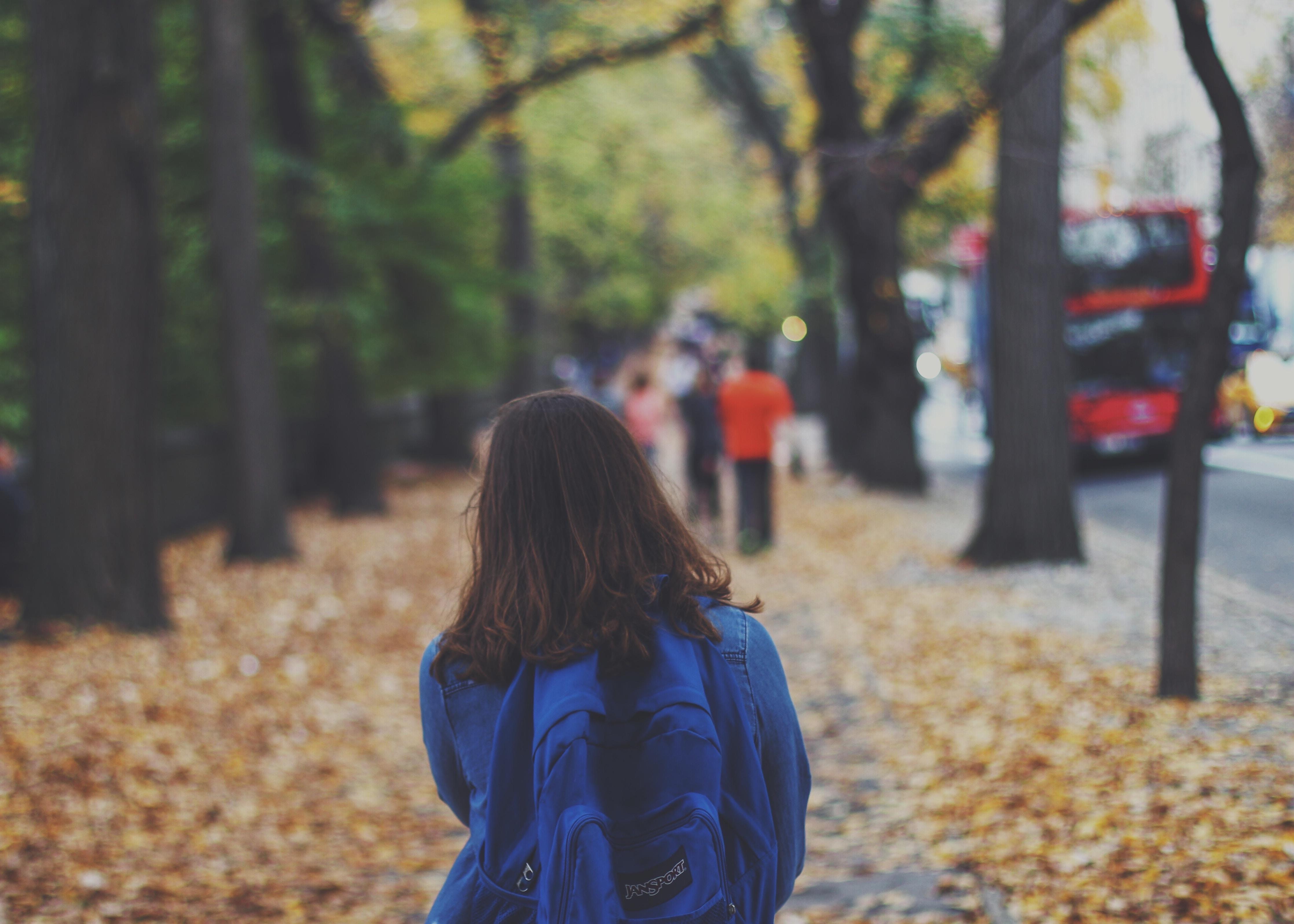 Картинки девушек спиной осенью, открытки днем повара